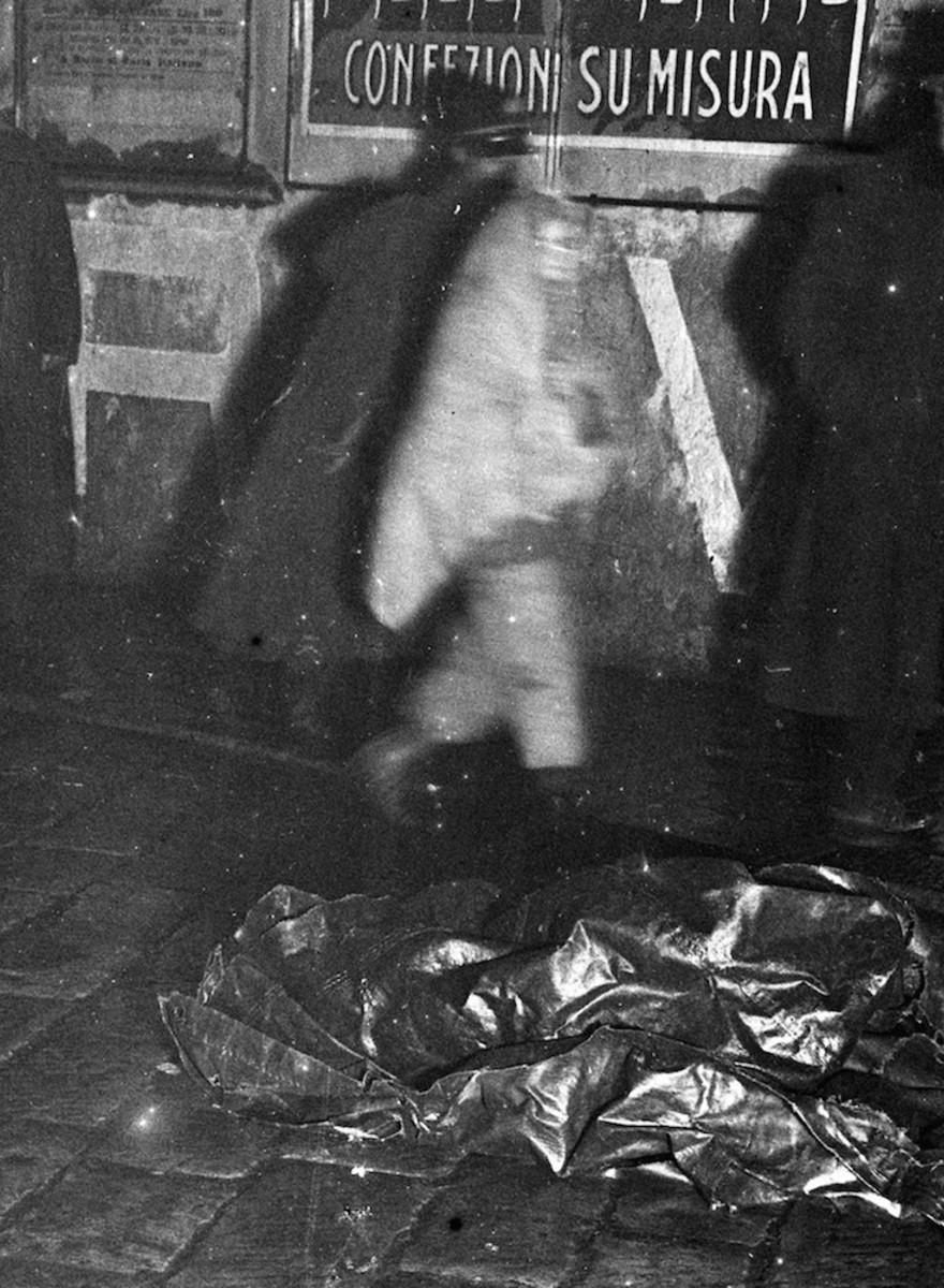 Strick und Leichensack: Italienische Tatortfotos von vor 100 Jahren