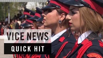 Cum arată primele femei-ofițer din Armata Kurdă