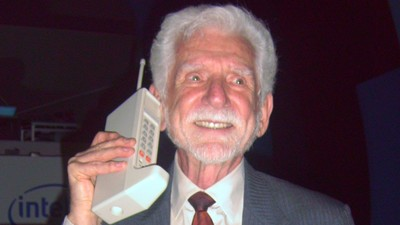 Happy Anniversary to the World's First Cell-Phone Call