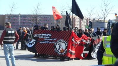 In Marzahn-Hellersdorf wird die Fremdenhass-Flagge weiter hochgehalten