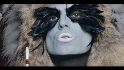 Robin and The Backstabbers a făcut un cover după Alex Velea despre cum purtăm măști în fiecare situație