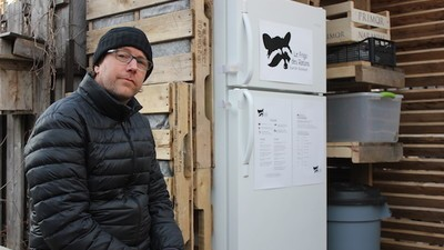 How a Fridge in an Alleyway Brought a Neighborhood Together