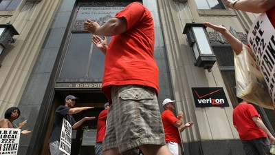 Verizon Says It Has Enough Scabs to Offset 40,000-Worker Walkout, No Problem
