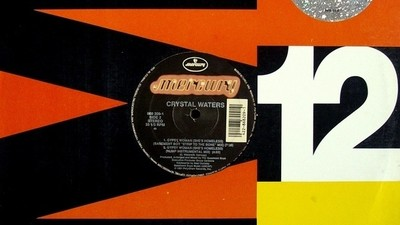 Het verhaal achter Crystal Waters' Gypsy Woman (She's Homeless)