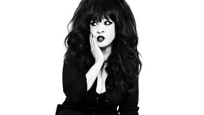 Ronnie Spector habla sobre Kesha, el estrellato en los 60 y las Ronettes