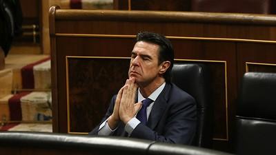 Dimite el ministro de Industria español por su vinculación con empresas en paraísos fiscales