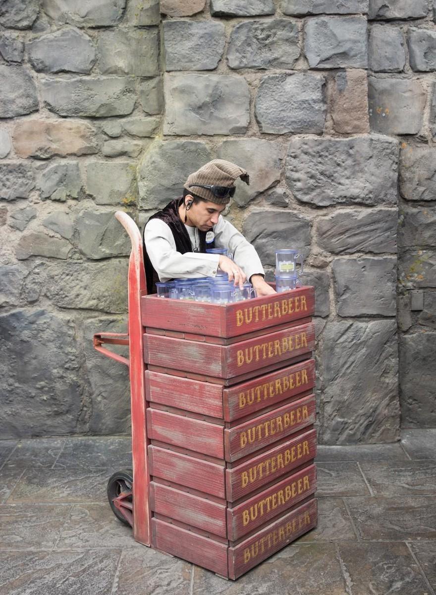 Takhle vypadá zábavní park ve stylu Harryho Pottera, kterej stál 500 miliónů babek