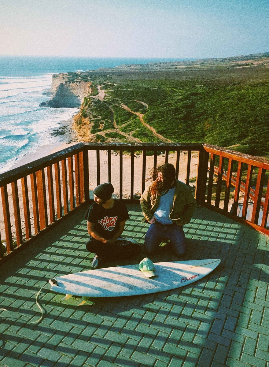 Rock n' Surf. Fora de palco os Youthless estão bem é na praia