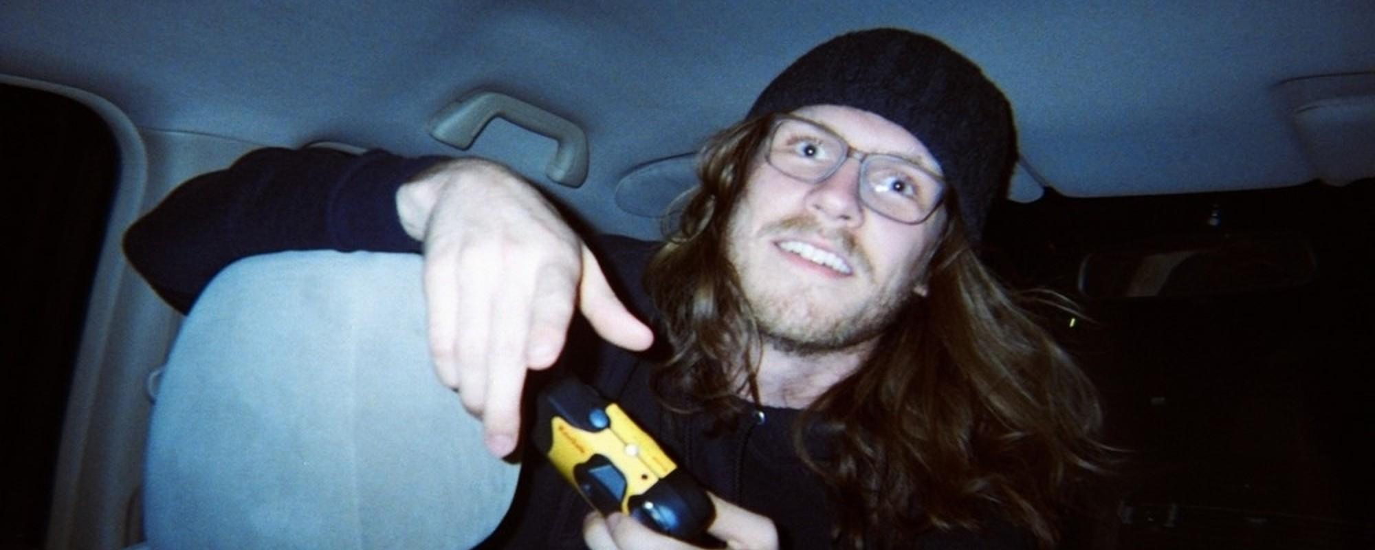 Taxikář, kterej fotí svoje opilý zákazníky