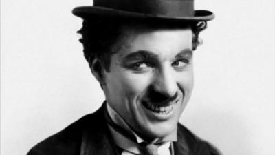Charlie Chaplin war ein sadistischer Tyrann, der auf Teenager stand