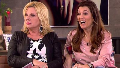 Marga van Praag en Loretta Schrijver keuvelen over vagina's en piemels in Koffietijd