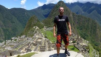 Dieser Typ erzählt uns, warum ihr seine Weltreisen bezahlen solltet