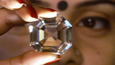 India Says One of Britain's Crown Jewels Is Stolen Property, and It Wants It Back