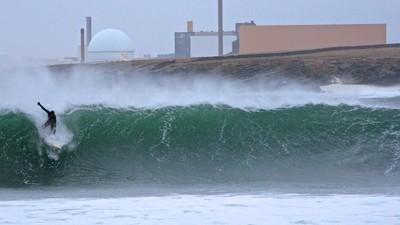 Surfeando tifones en Japón