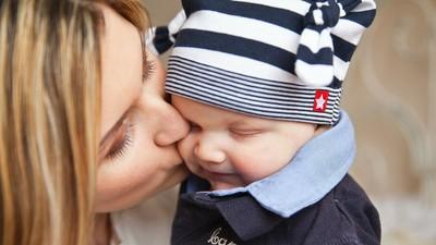 De ce statul român trece bebelușii la întreținere