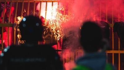 Sangre, sudor y gas lacrimógeno en el derby de Serbia