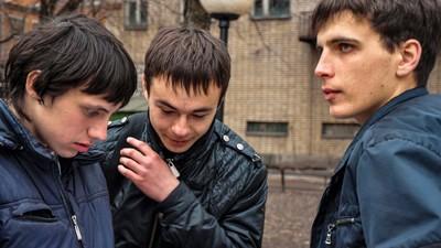 În București, profesorii încă întreabă elevii gay dacă urăsc femeile