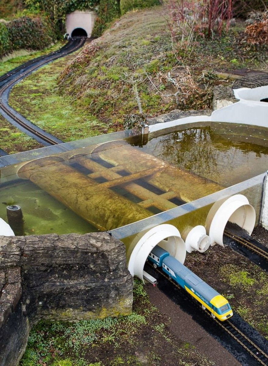 These Photos of a Crumbling Pro-EU Theme Park Show a Europe in Existential Crisis