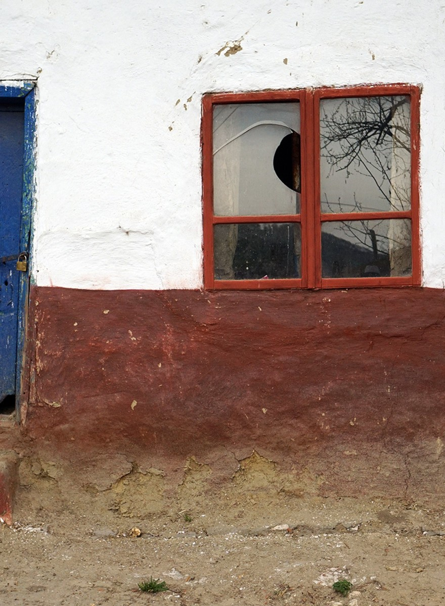 Fotografiile astea cu case părăsite din Dobrogea îți arată de ce satul românesc e pe moarte