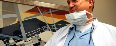 """Eine Patientin des """"Horror-Zahnarzts"""" teilt ihre Geschichte"""
