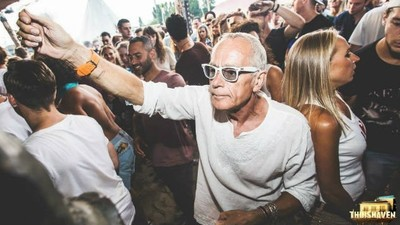 De ce nu ne plac bătrânii care merg în cluburi