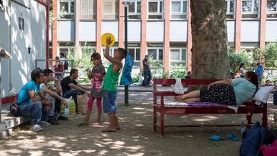 Der harte Kampf, seine Kinder in einem Flüchtlingslager großzuziehen
