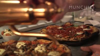 Cu bucătarul în oraș: pizza și specialități franțuzești în Texas