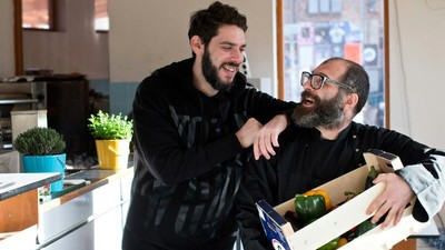 How Hummus Brought a Palestinian and an Israeli Together to Help Refugees in Berlin