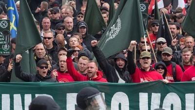 """""""Merkel ins KZ!"""" – Der 1. Mai in Sachsen"""