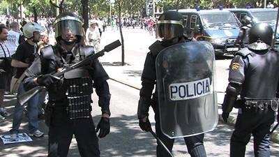 Hagas lo que hagas, la policía no puede mirarte el móvil