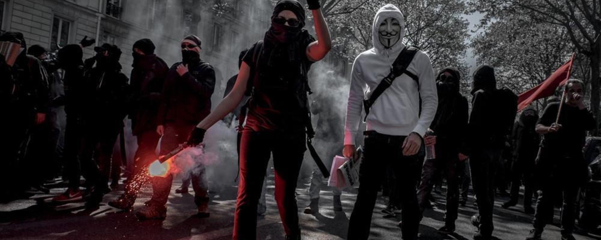 Foto's van de 1 mei-rellen in Parijs