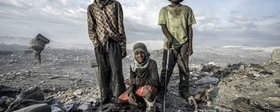 Photos of Life on a Haitian Dump