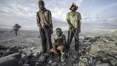 Foto's van het leven op een vuilnisbelt in Haïti