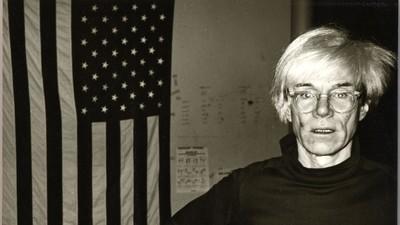 Arte, fiestas y leyendas de la moda reunidas en las nuevas imágenes inéditas de Andy Warhol