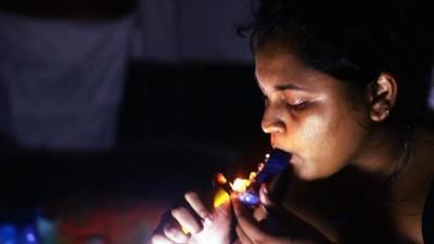 Haber fumado mariguana podría impedirte entrar a Estados Unidos