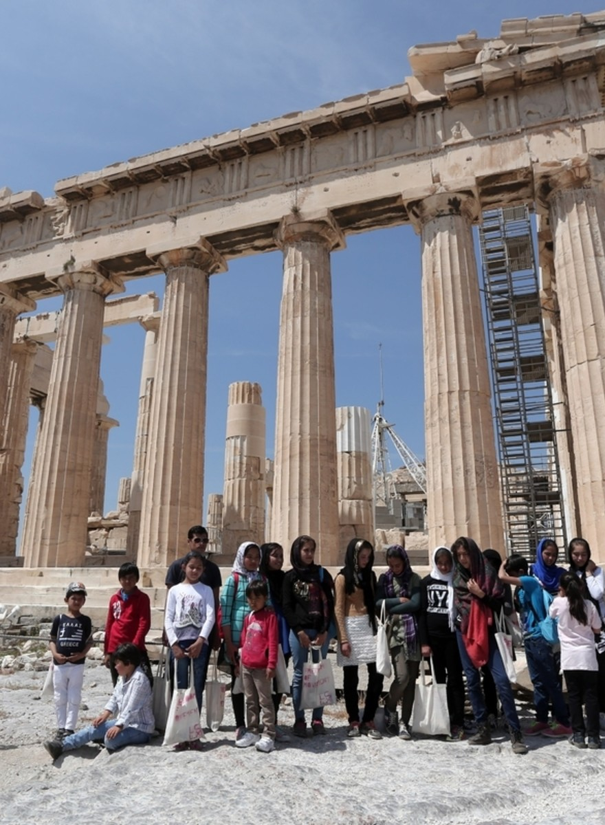 Dozens of Refugees Celebrated Europe Day on Acropolis