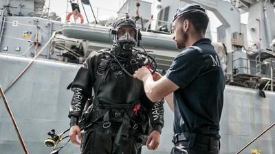 Dentro le operazioni di recupero del 'relitto della morte' affondato nel canale di Sicilia