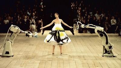 Mode meets Technologie: Fünf Designer, die ihrer Zeit voraus waren