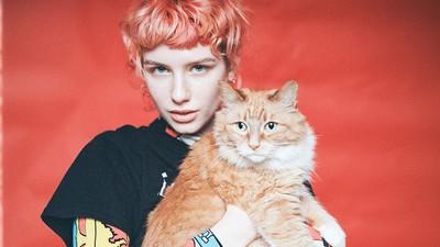 Gatos, chicas y amor incondicional: así es lo nuevo de 'Pusszine'