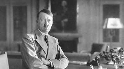 ¿Quieres saber qué estaba haciendo Hitler el día que naciste?
