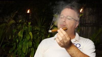 Der YouTube-Channel der Woche: Dieser Zigarren-Tester macht wunderbar entspannende Videos