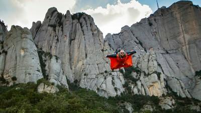 Nederlands beste wingsuit-vlieger vertelt over zijn vak, de dood en de ultieme focus