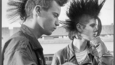 Un vistazo a los pioneros del punk en esta exposición tributo