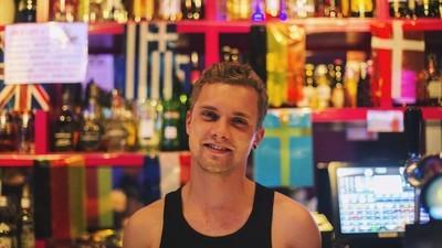 We vroegen een paar homo's waarom ze het Eurovisie Songfestival zo leuk vinden