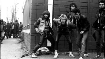 Salvajes fotos de la escena del punk en la Rusia de los ochenta