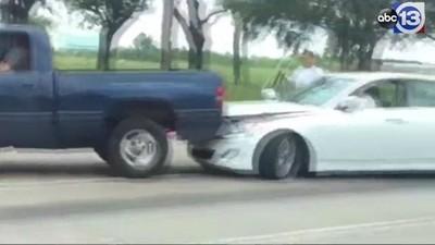 Este vídeo de uma briga de trânsito vai acabar com a sua fé na humanidade