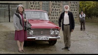 Am văzut un film care explică nostalgia părinților noștri față de mașinile comuniste