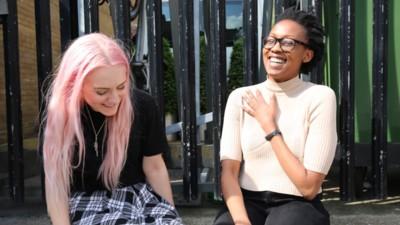 Eine Lesbe erklärt, wie du Ex-Beziehungen zu Freundschaften machst