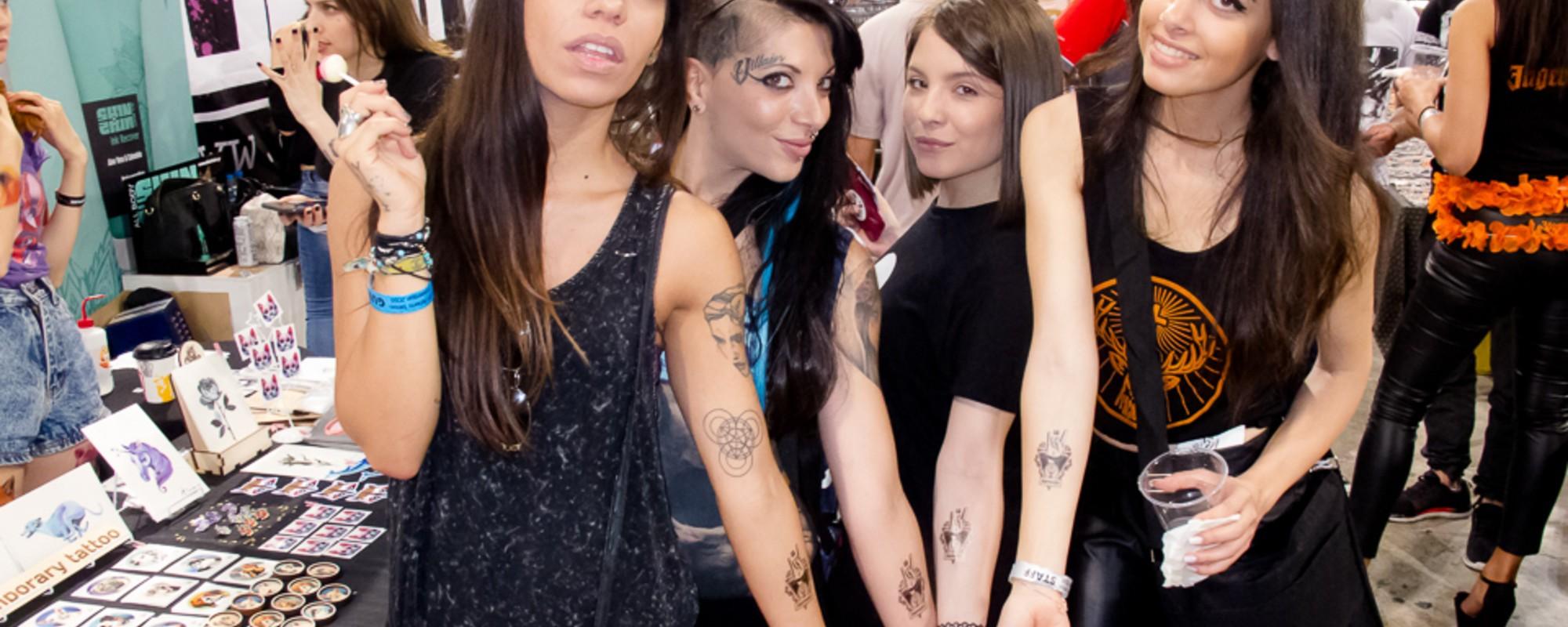 Όταν η Τέχνη του Τατουάζ Συναντά Αυτή του Αλκοόλ