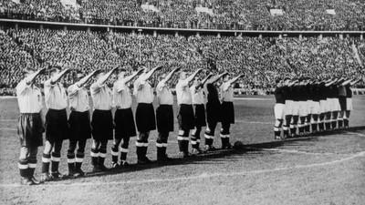 Toen het Engelse voetbalelftal de Hitlergroet bracht